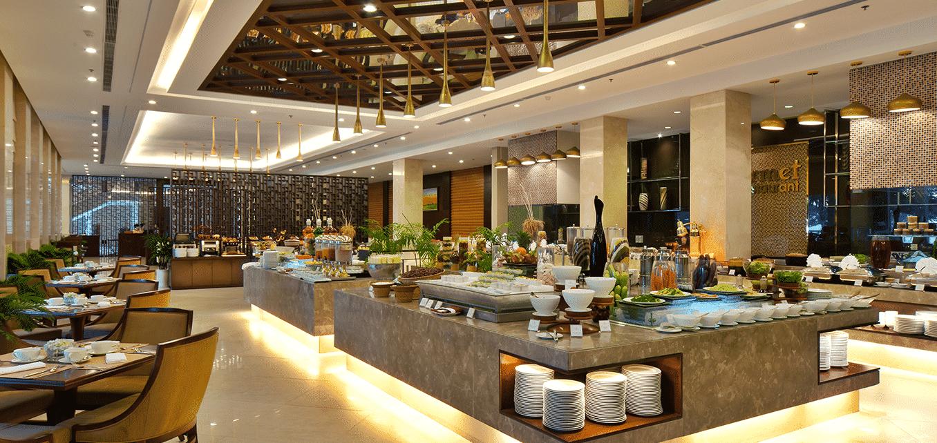 Đến với Mystery Cam Ranh bạn sẽ được thưởng thức các món ăn ngon nhất theo phong cách Âu-Á của những đầu bếp nổi tiếng trên thế giới, chuỗi nhà hàng 5 sao tại đây sẽ làm hài lòng những thực khách khó tính nhất