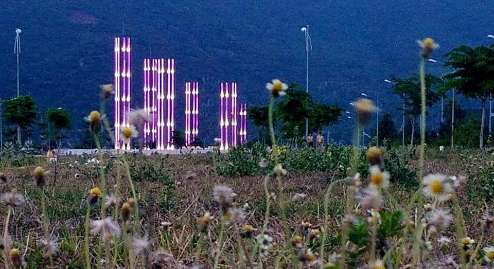 Quảng trường hạnh phúc Golden Bay City nhìn về đêm