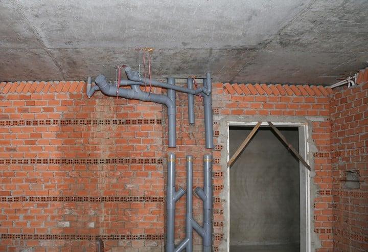 Thi công hệ thống nước thoát tầng 8 – block A