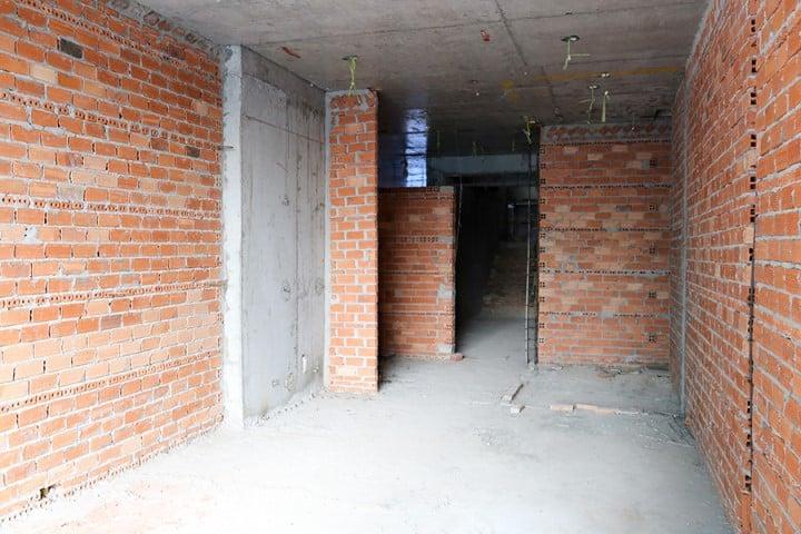 Đang xây tường bao căn hộ tầng 4 block A, B, C, D