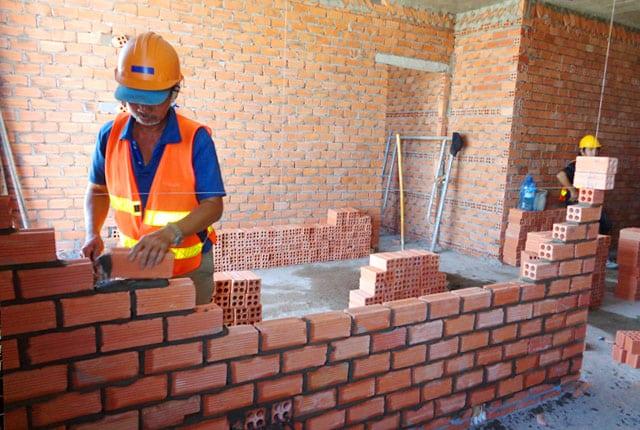 Đang xây tường bao từ tầng 18 đến 19 block A
