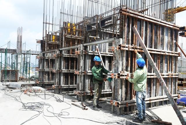 Thi công cột sàn tầng 14 - Block A
