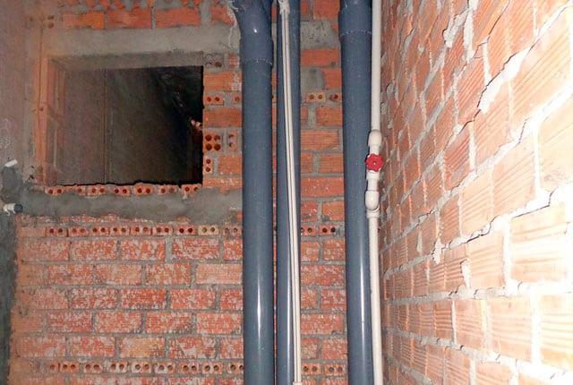 Lắp đặt hệ thống thoát nước từ tầng 6 đến tầng 18 block A