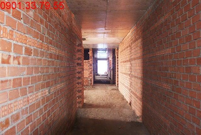 Xây tường bao căn hộ tầng 17 - block B