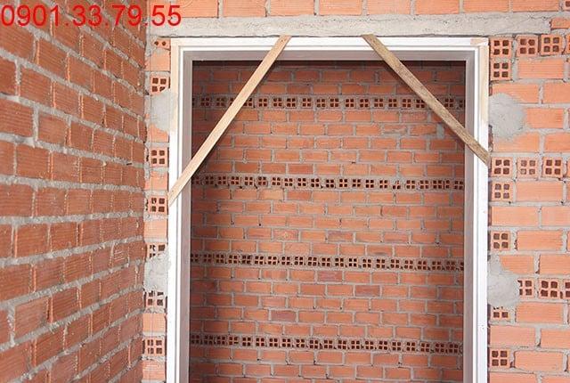 Lắp khung cửa tầng 13 - block B