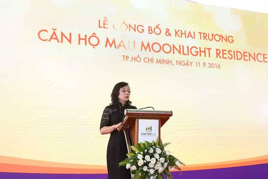 Về phía ngân hàng hỗ trợ vốn, Bà Đinh Thị Kim Giao - Phó giám đốc chi nhánh 1 ngân hàng VietinBank giới thiệu về chính sách hỗ trợ vốn và các ưu đãi đặc biệt dành cho khách hàng mua căn hộ Moonlight Residences