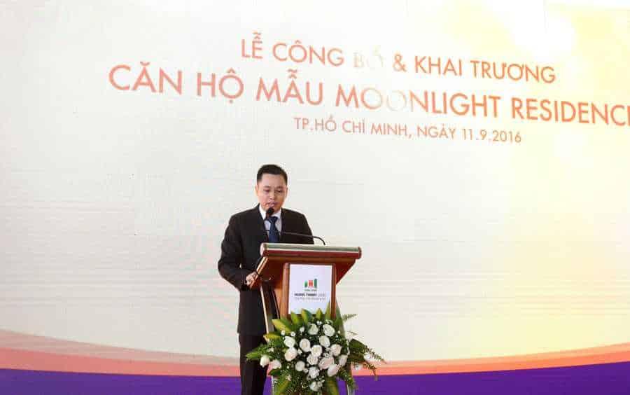 Ông Đoàn Thanh Ngọc – Phó Tổng giám đốc Thường trực Hung Thinh Land – Đại diện đơn vị tiếp thị và phân phối độc quyền dự án Moonlight Residences thông báo những chính sách bán hàng đặc biệt trong ngày khai trương cũng như chính thức khai trương căn hộ mẫu