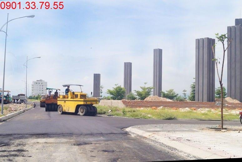 Công tác thi công thảm nhựa đường gom - khu D16 Golden Bay Nha Trang