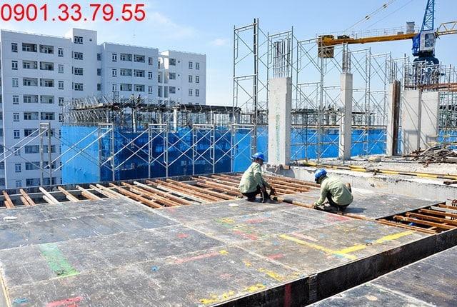 Thi công cốp pha tầng thượng - Block C dự án Florita quận 7