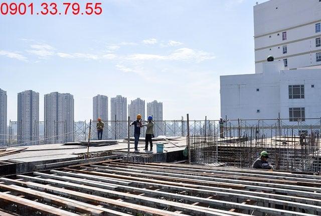 Thi công cốp pha tầng thượng - Block D dự án Florita quận 7