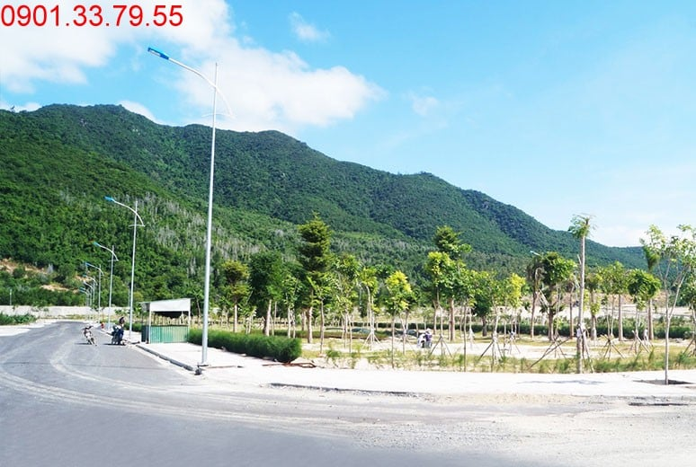 Công viên cây xanh đường D5 - khu D16 Golden Bay Bãi Dài Nha Trang