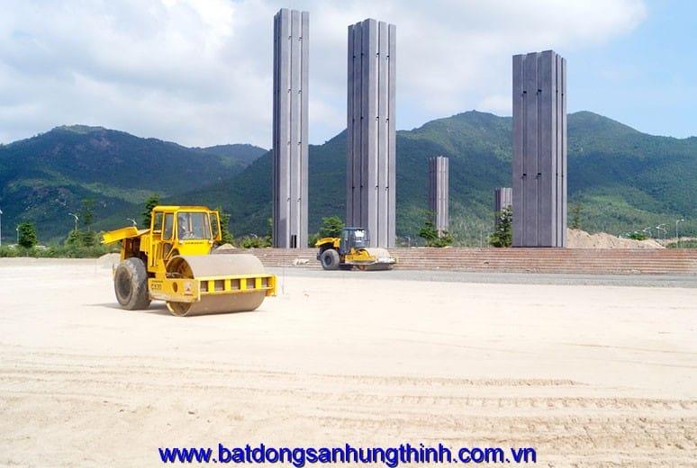Công tác thi công mặt bằng Quảng Trường Golden Bay Cam Ranh