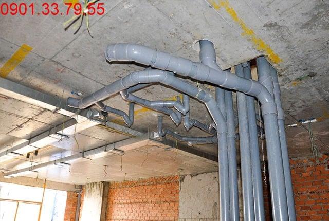Thi công hệ thống nước thoát tầng 6 block C, D du an Sky Center Hưng Thịnh