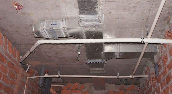 Đã hoàn thành đường ống thông gió tầng 10 block A, B, C, D chung cư Sky Center Phổ Quang