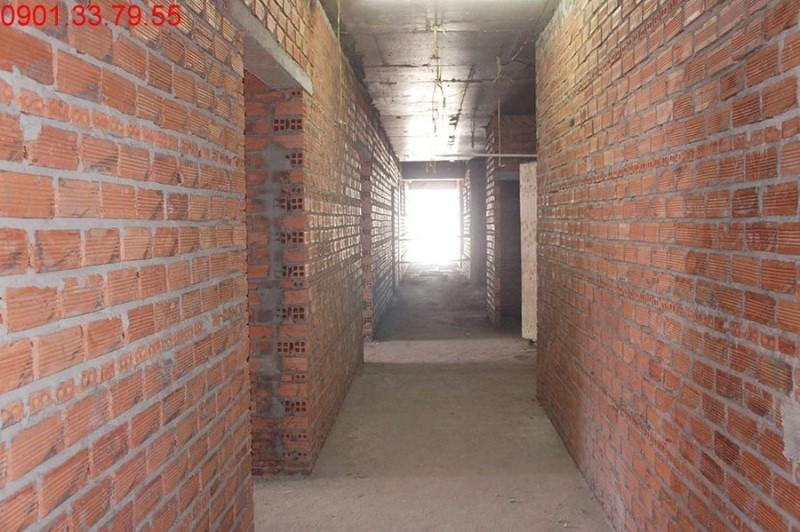 Xây tường bao căn hộ tầng 12 block A, B dự án Sky Center Tân Bình