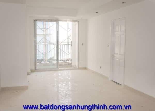 Lót gạch hành lang căn hộ tầng 15 - block B can ho Melody Residences Tân Phú