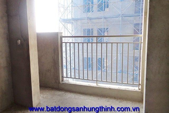 Lắp đặt lan can ban công từ tầng 16 đến tầng 25 block A; từ tầng 6 đến tầng 14, tầng 21 đến tầng 25 block B căn hộ Melody Vũng Tàu