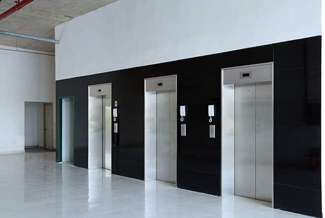 Hệ thống thang máy đã được hoàn thiện và đưa vào phục vụ cư dân
