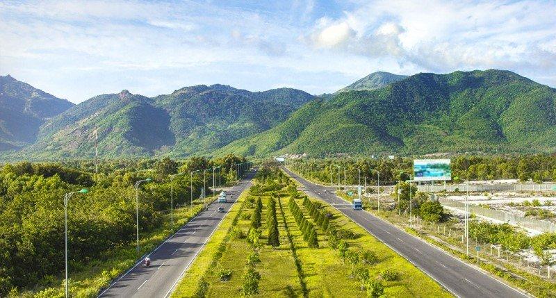 Trục đường Nguyễn Tất Thành