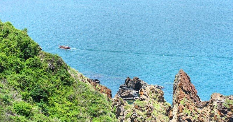 Tầm nhìn tuyệt đẹp từ một đoạn đèo trên trục đường Nguyễn Tất Thành