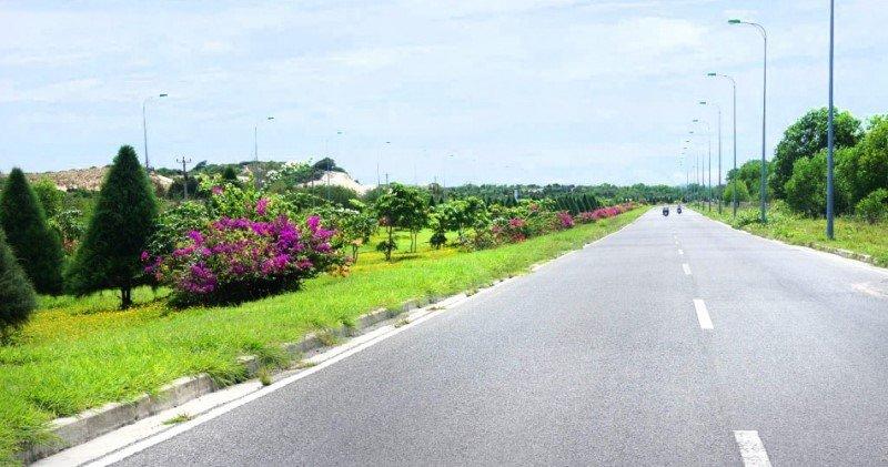 Trục đường Nguyễn Tất Thành rộng trồng cây xanh