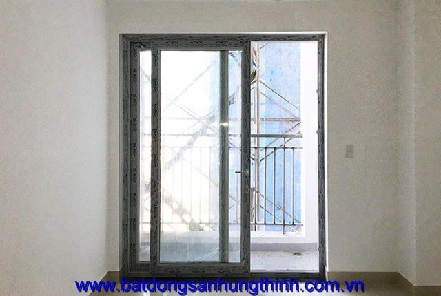 Công tác lắp đặt cửa nhựa từ tầng 7 đến tầng 17 và tầng 22 block A; từ tầng 6 đến tầng 16 block B du an Melody Vũng Tàu