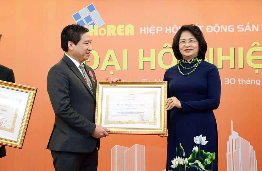 Ông NGUYỄN ĐÌNH TRUNG - Chủ tịch HĐQT, TGĐ Hung Thinh Corp