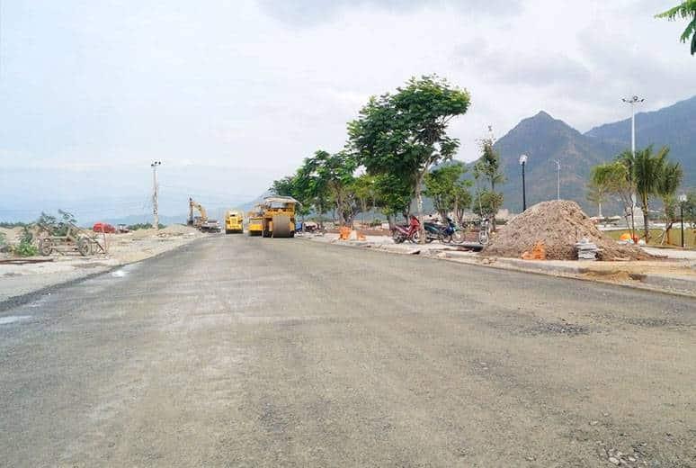 Công tác thi công lu nền cấp phối đường D9 - khu D17
