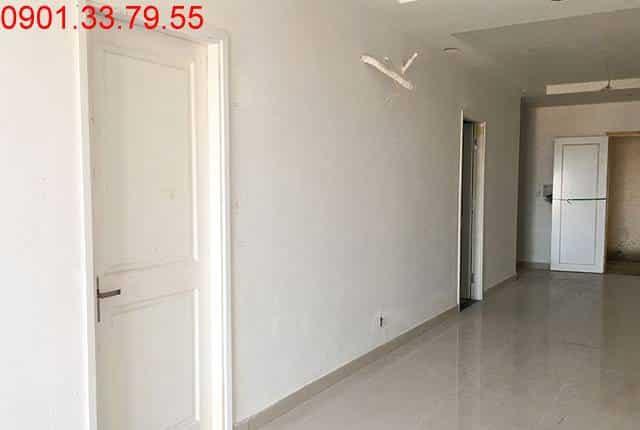 Công tác lắp đặt cửa gỗ từ tầng 7 đến tầng 14 block A; tầng 6 đến tầng 11 block B căn hộ chung cư Melody Vũng Tàu