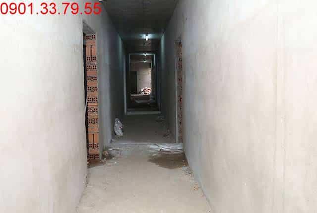 Tiếp tục thi công tô tường bao căn hộ từ tầng 5 đến tầng 8 - Block C chung cư Florita Hưng Thịnh