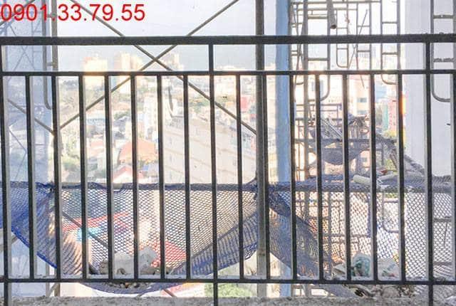 Công tác lắp đặt lan can ban công từ tầng 6 đến tầng 25 block A; tầng 6 đến tầng 25 block B căn hộ dự án Melody Vũng Tàu