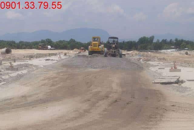 Công tác thi công đường D8 - khu D17 dự án đất nền Golden Bay
