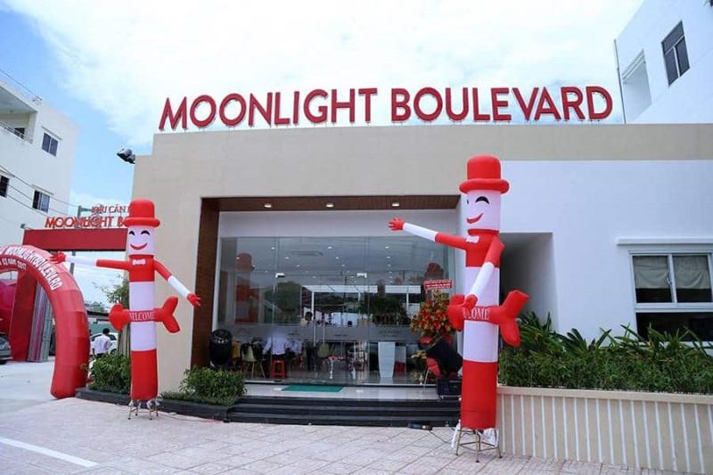 khai truong moonlight boulevard
