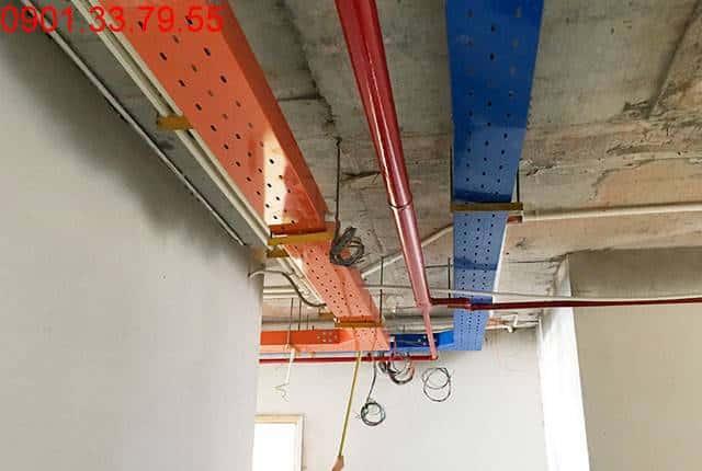 Lắp đặt hệ thống máng diện từ tầng 6 đến tầng 21 block A; tầng 6 đến tầng 20 block B chung cư Vũng Tàu Melody