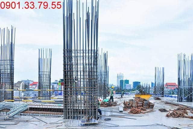 Thi công cốt thép cột tầng 5 - block Southern du an Saigon Mia
