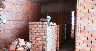 Thi công xây tường bao căn hộ đến tầng 14 - Block B chung cư Florita