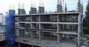 Hoàn thành đổ bê tông sàn tầng 4 và thi công cột sàn tầng 5 block C chung cư Monlight Park View Hưng Thịnh