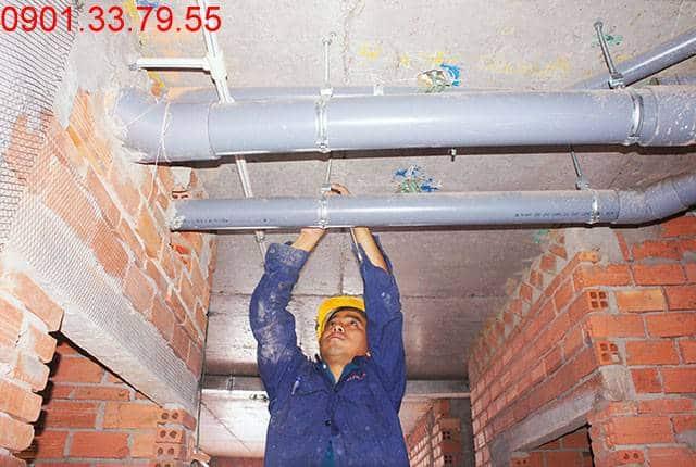 Thi công hệ thống nước thoát tầng 11 block C, D căn hộ Sky Center Phổ Quang