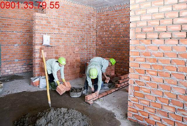 Thi công xây tường bao căn hộ đến tầng 18 - Block B căn hộ Florita HimLam