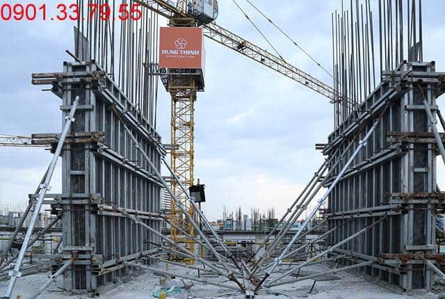 Hoàn thành đổ bê tông sàn tầng 4 và thi công cột sàn tầng 5 block C chung cư Monlight Park View Bình Tân