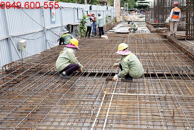 Thi công cốt thép sàn tầng 1 block A, B dự án Melody Residences