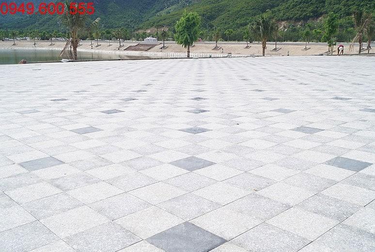 Công tác thi công lát đá công viên hồ cảnh quan khu D16 dự án Golden Bay Cam Ranh