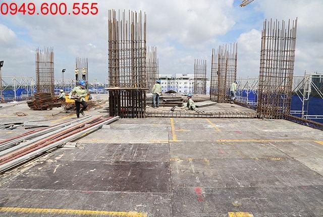 Thi công cốp pha sàn tầng 12 - block Southern dự án căn hộ Sài Gòn Mia
