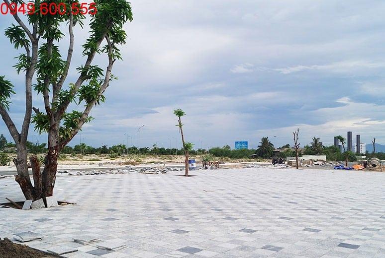 Công tác thi công lát đá công viên hồ cảnh quan khu D16 khu đô thị Golden Bay Cam Ranh