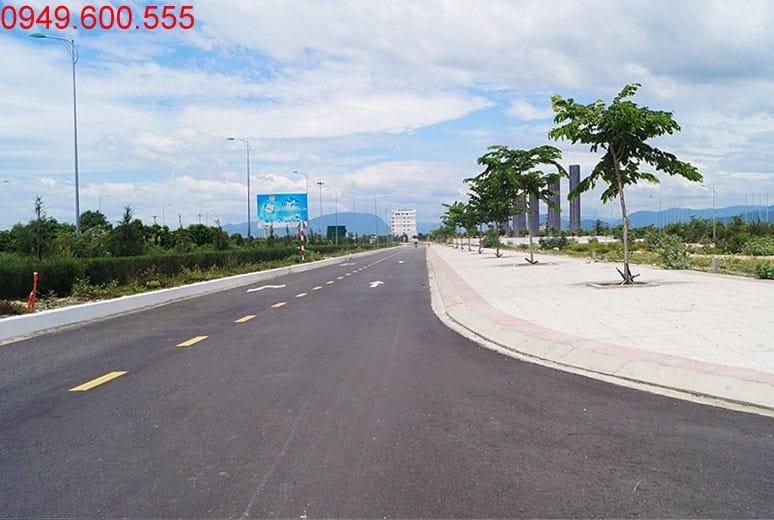Đường gom khu D16 đã được lót gạch vỉa hè Golden Bay Cam Ranh