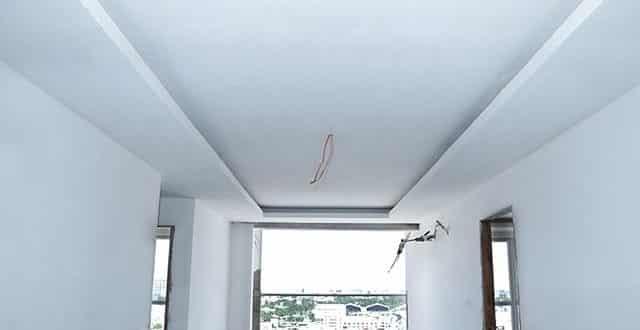 Bả sơn mastic từ tầng 10 đến tầng 13 block C, D chung cư Sky Center Hưng Thịnh