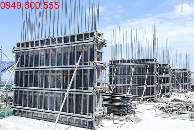 Thi công cột sàn tầng 17 block C dự án Moonlight Park View Bình Tân