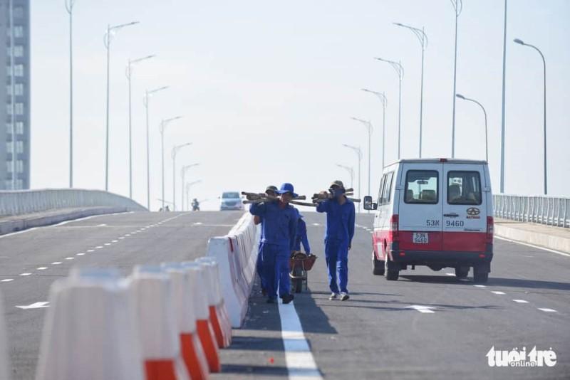 TP.HCM thông xe cầu qua đảo Kim Cương - Ảnh 5.