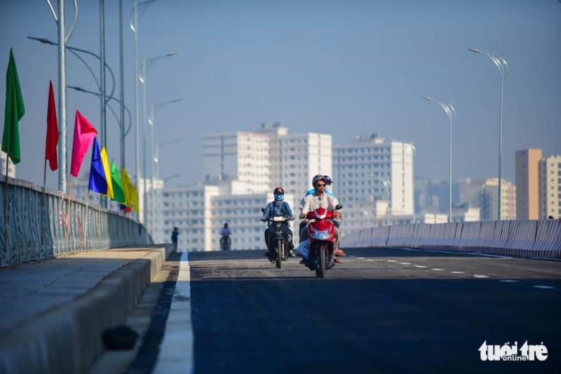 TP.HCM thông xe cầu qua đảo Kim Cương - Ảnh 8.