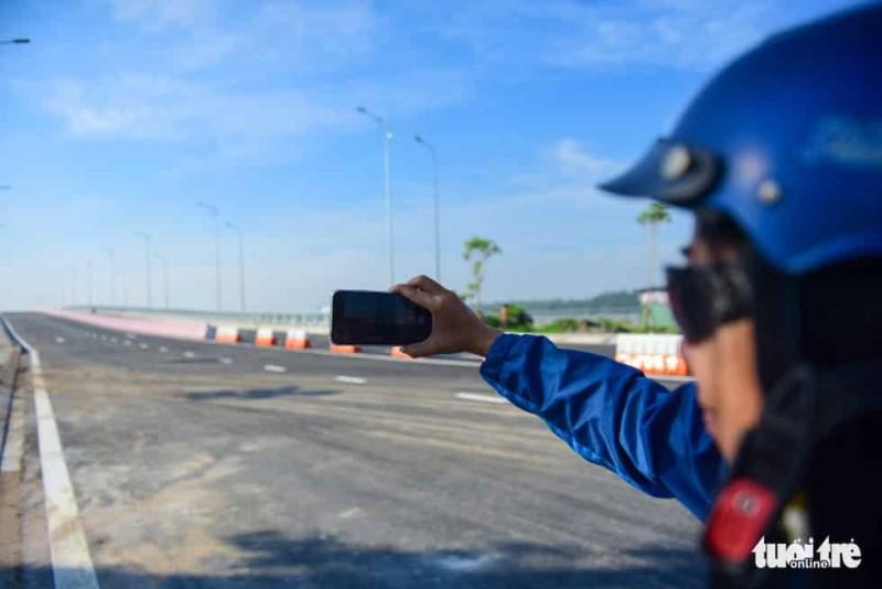 TP.HCM thông xe cầu qua đảo Kim Cương - Ảnh 10.